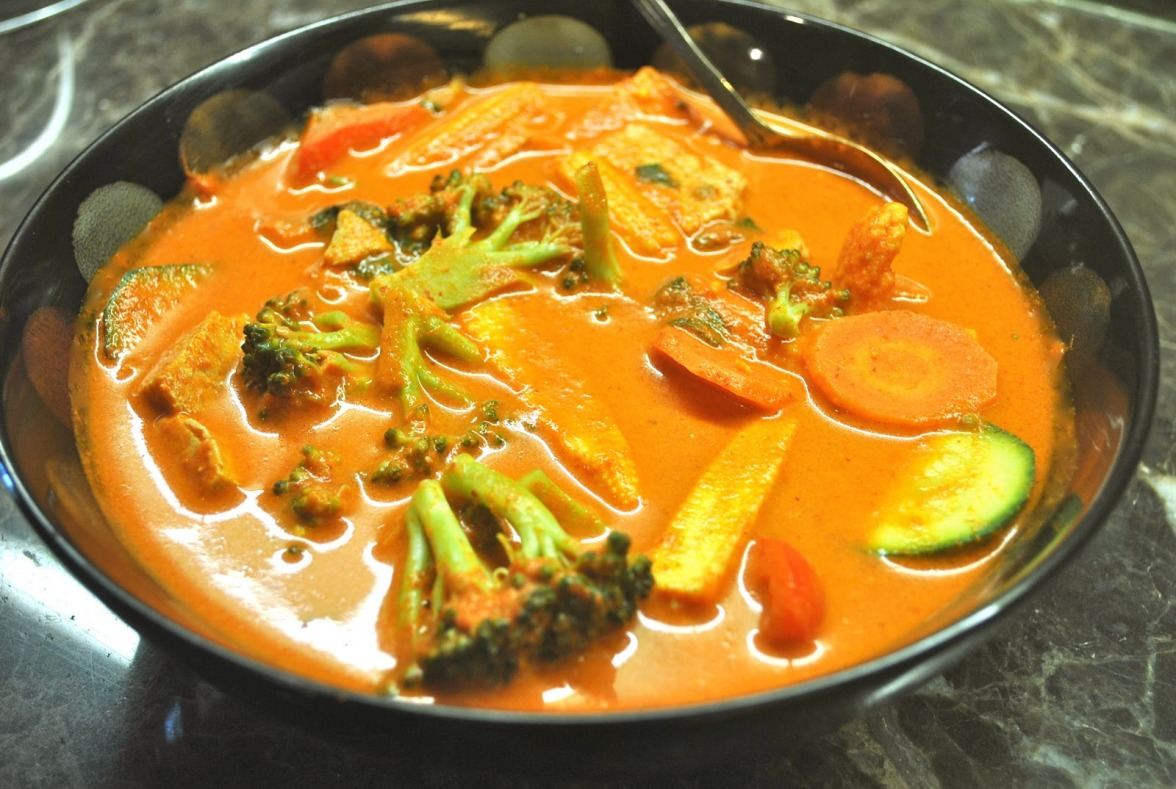 red-vegetable-curry