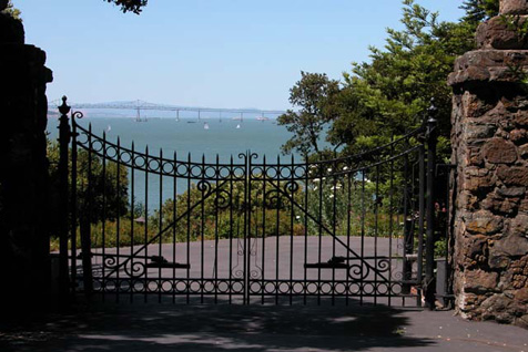 Tiburon estate gate